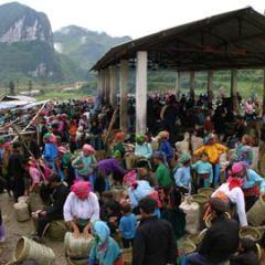 Du lịch Hà Giang khám phá chợ Sà Phìn